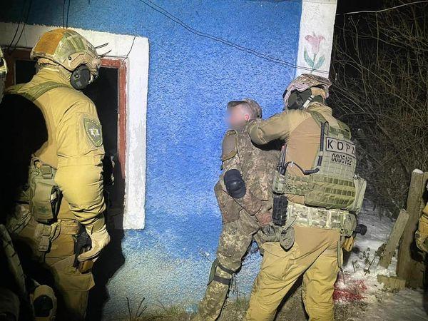 В Доманевке местный житель ранил из обреза троих полицейских