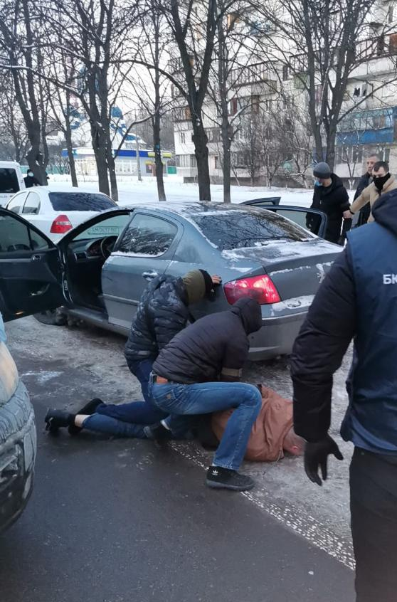 В Киеве задержали оперативника департамента уголовного розыска Нацполиции