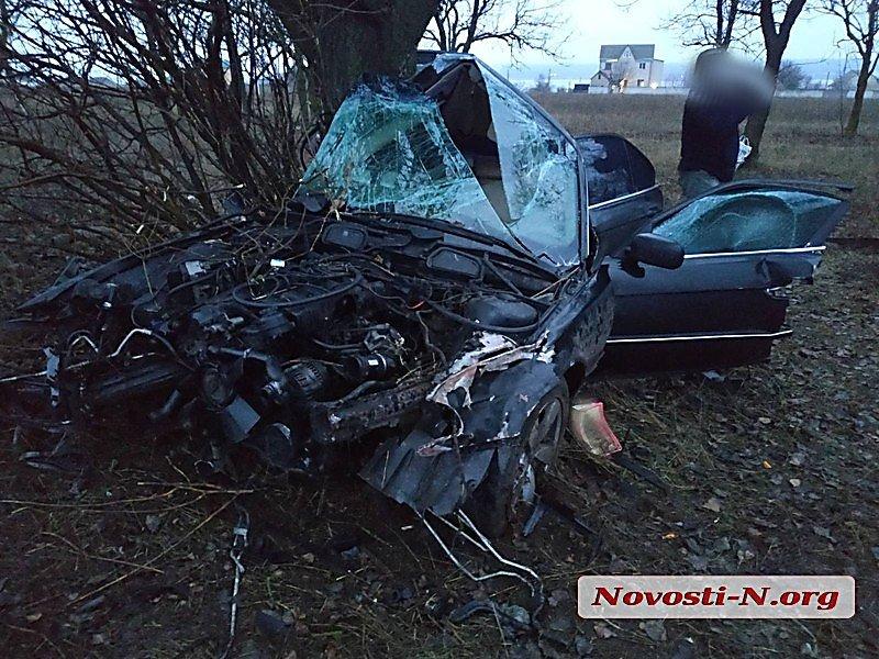 Возле Николаева из-за потери управления авто погиб патрульный