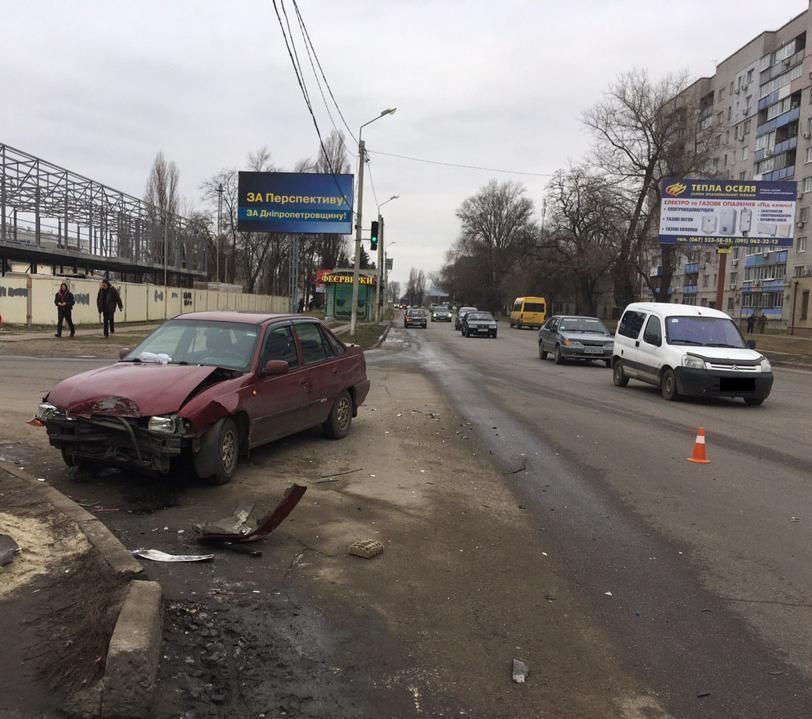 В Новомосковске военнослужащий устроил аварию, в которой погиб ребенок