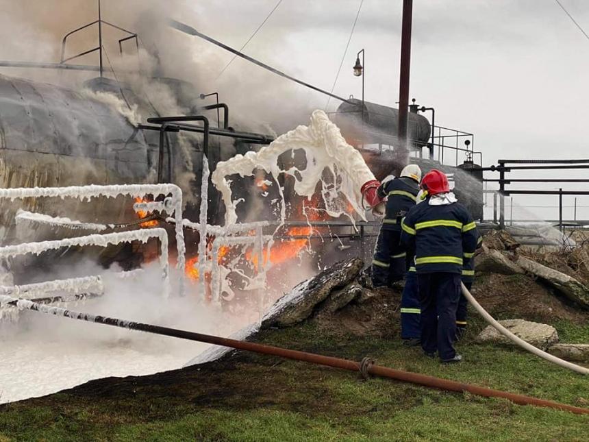 В Гороховке вспыхнула нефтебаза