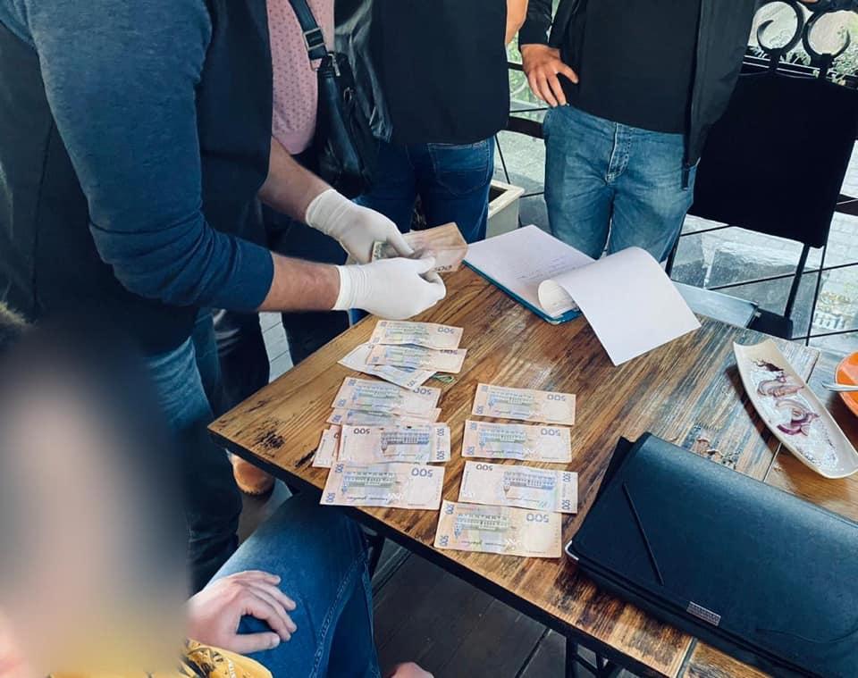 Чиновника Службы автодорог в Ивано-Франковской области наказали штрафом за коррупцию