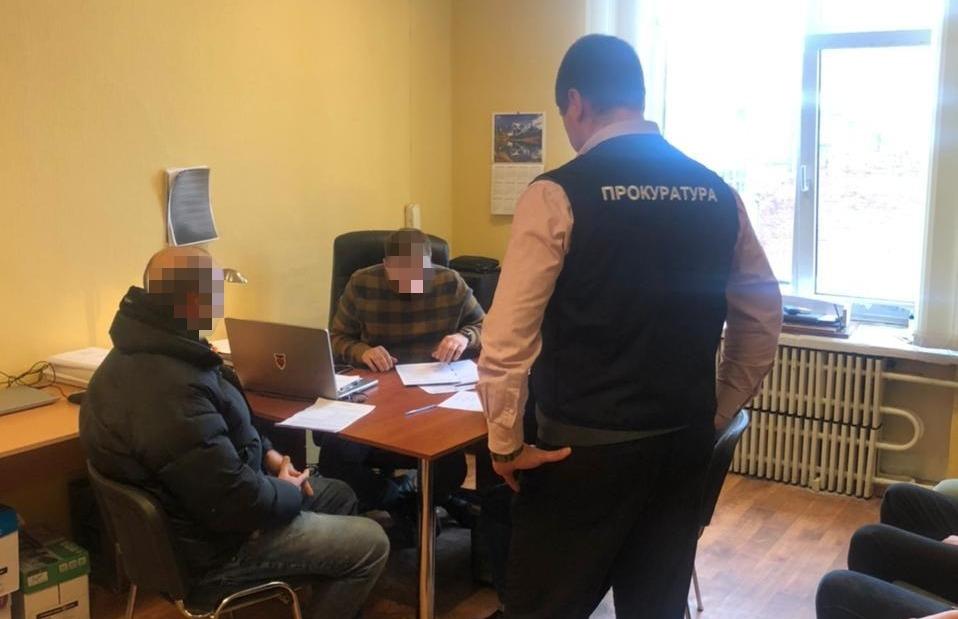В Харькове госрегистратор незаконно оформил недвижимость за 5,5 млн гривен на другую компанию