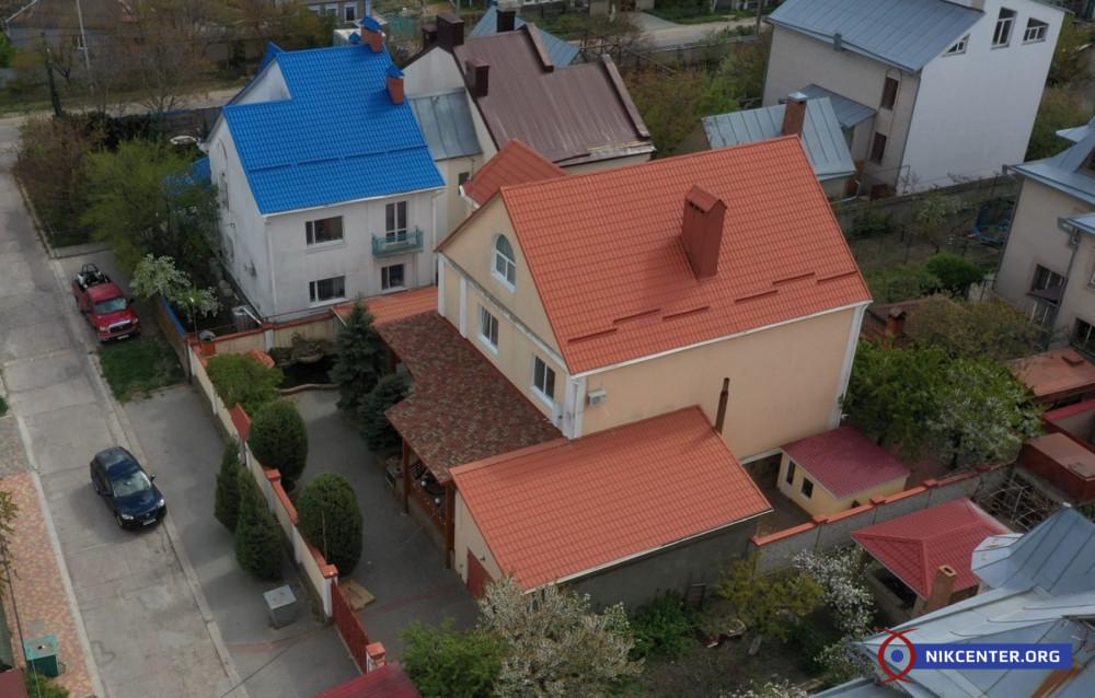 Семья председателя Николаевского райсуда декларирует жилой особняк как недострой