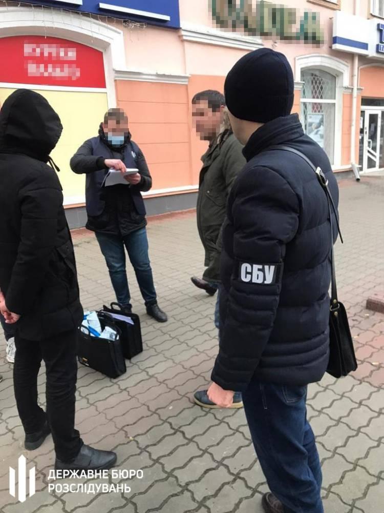 В Волынской области на взятке поймали двух экоинспекторов