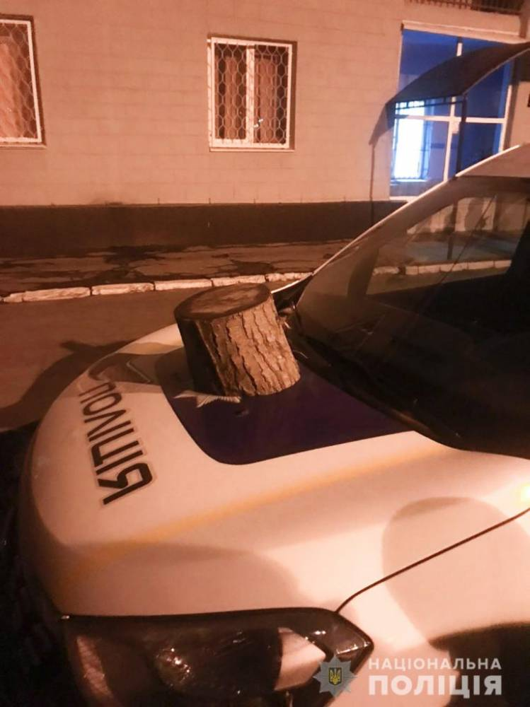В Запорожье пьяный мужчина напал на отдел полиции