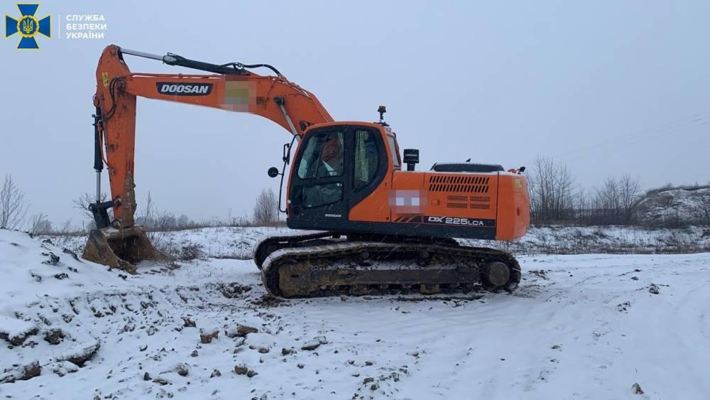 В Хмельницкой области незаконно добывали полезные ископаемые