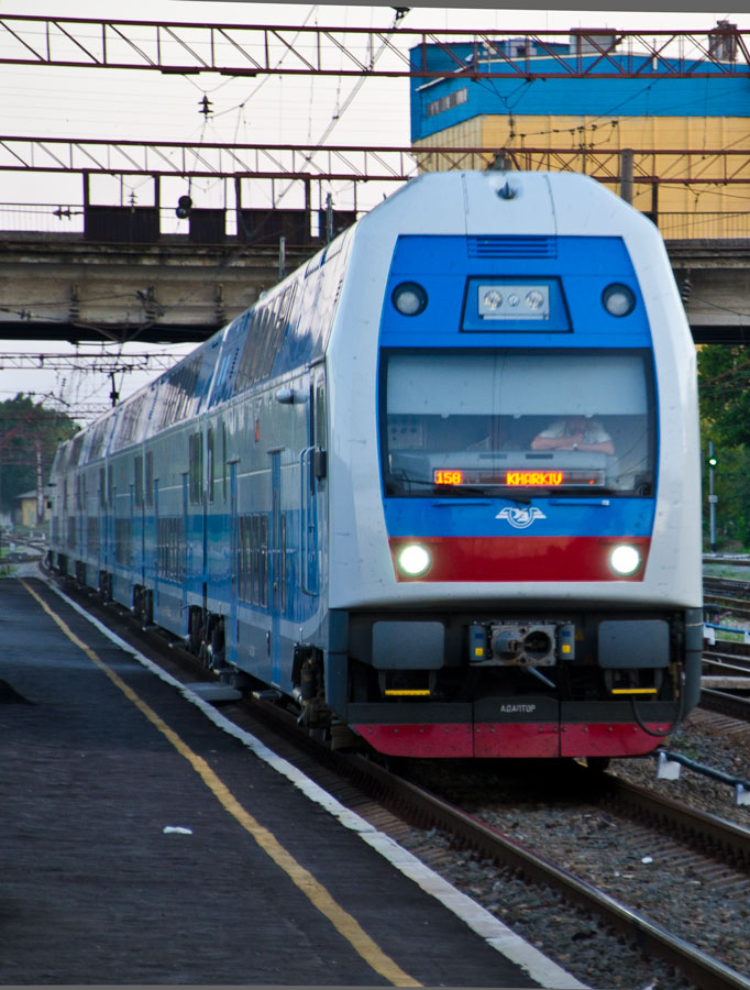 «Укрзализныця» заплатит за ремонт двух поездов почти 300 млн гривен