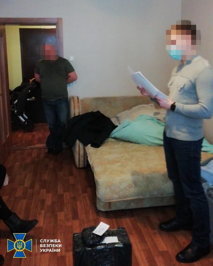 Киевского политтехнолога СБУ обвинила в пособничестве боевикам ОРДЛО