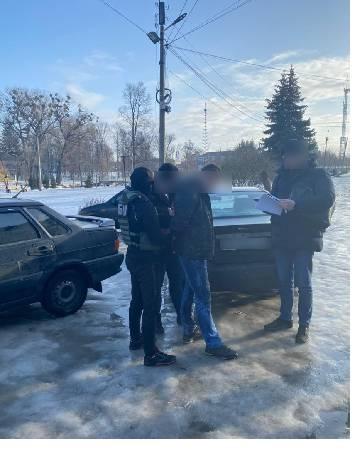 В Сумской области налоговика разоблачили в вымогательстве взяток