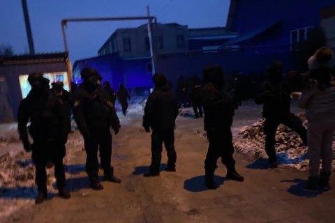 Борьба за харьковский завод линолеума: на чьей стороне полиция?