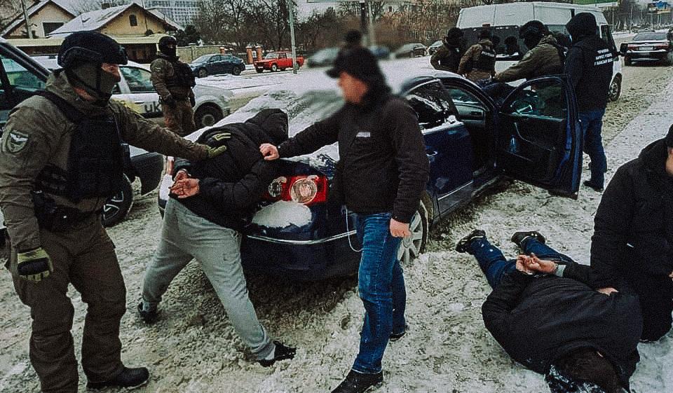 Во Львове поймали автомобильных мошенников
