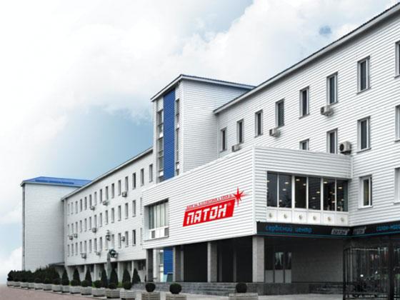 Суд наложил арест на компании и средства экс-директора завода Патона