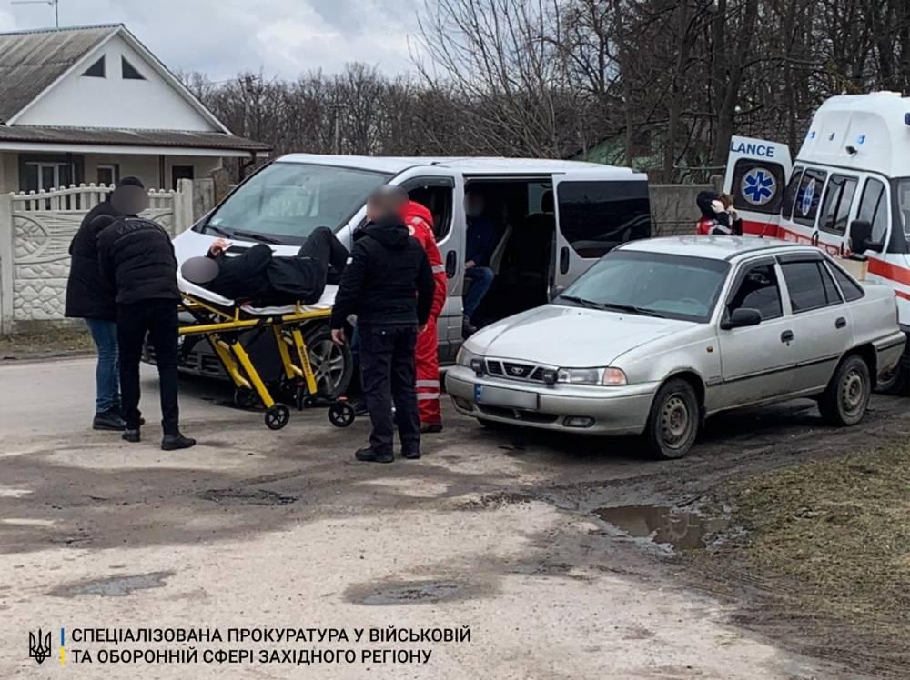 В Хмельницкой области офицер военкомата, пытаясь скрыться, сбил полицейского