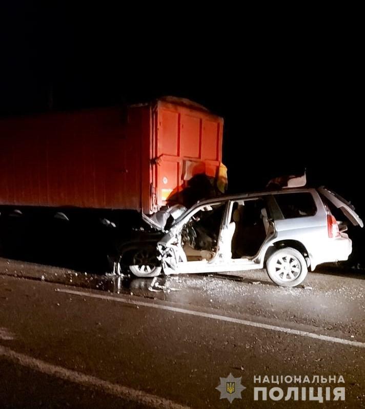 В Одесской области полицейский погиб при столкновении с грузовиком