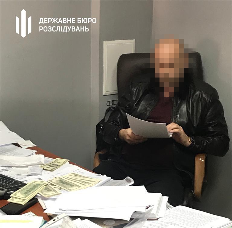 В Виннице адвокату сообщили о подозрении, за попытку подкупа судьи