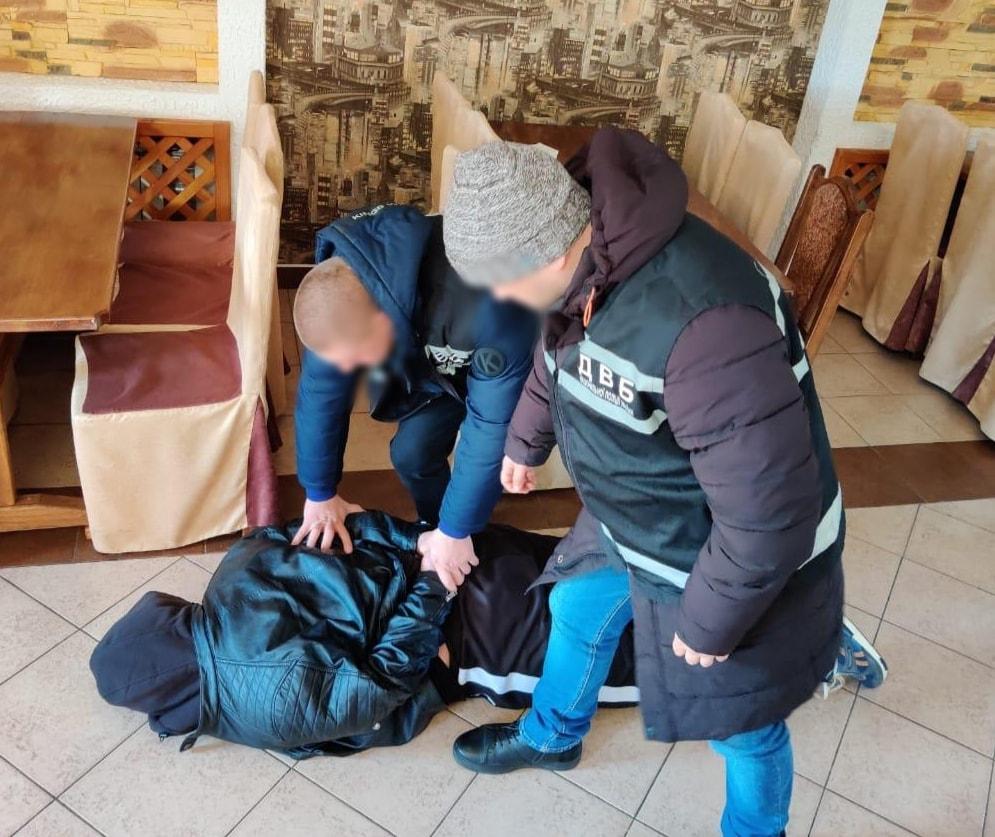 В Кропивницком бандит пытался подкупить оперативника полиции за 9 тысяч долларов