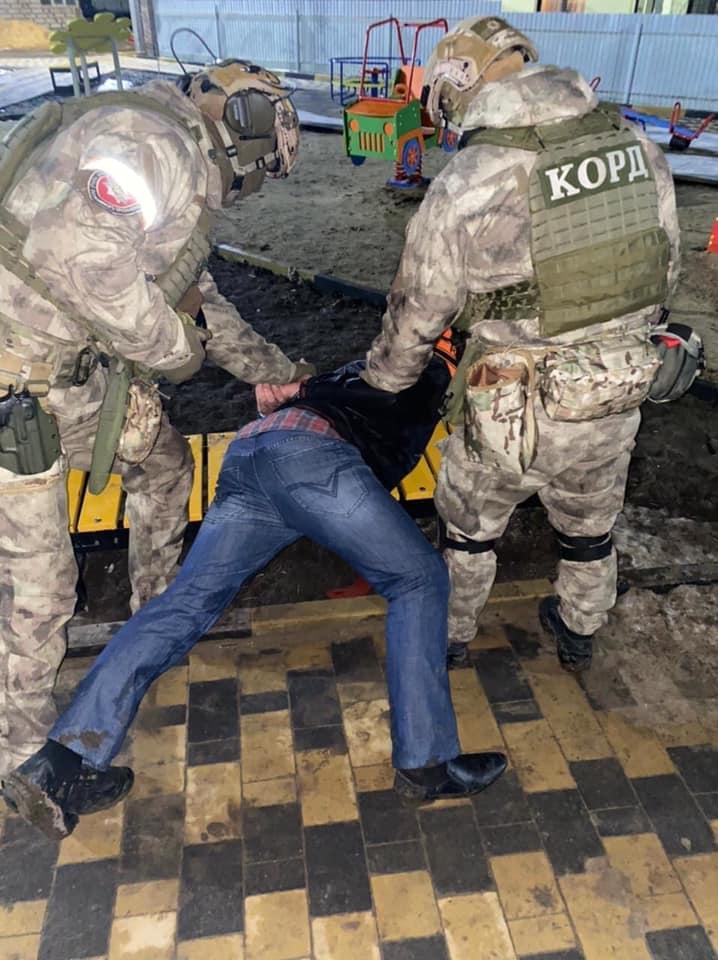 В Томашполе пьяный мужчина обстрелял из автомата линию электропередач