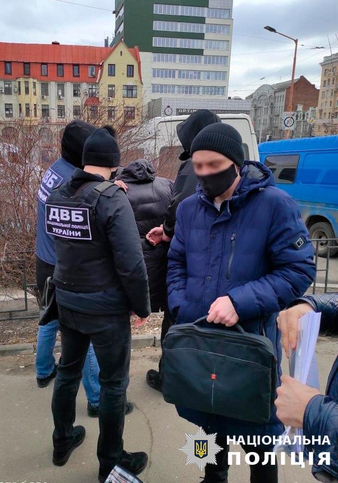 В Харькове экс-милиционер вымогал взятки у пассажиров железнодорожного вокзала