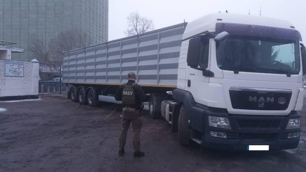 Из Ахтырского КХП пытались незаконно вывезти 340 тонн зерна