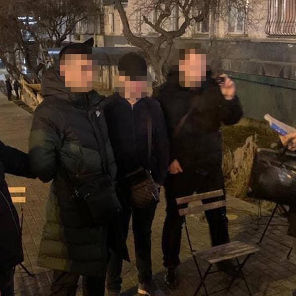 В Киеве чиновники мэрии требовали взятку за размещение зарядных станций для электрокаров