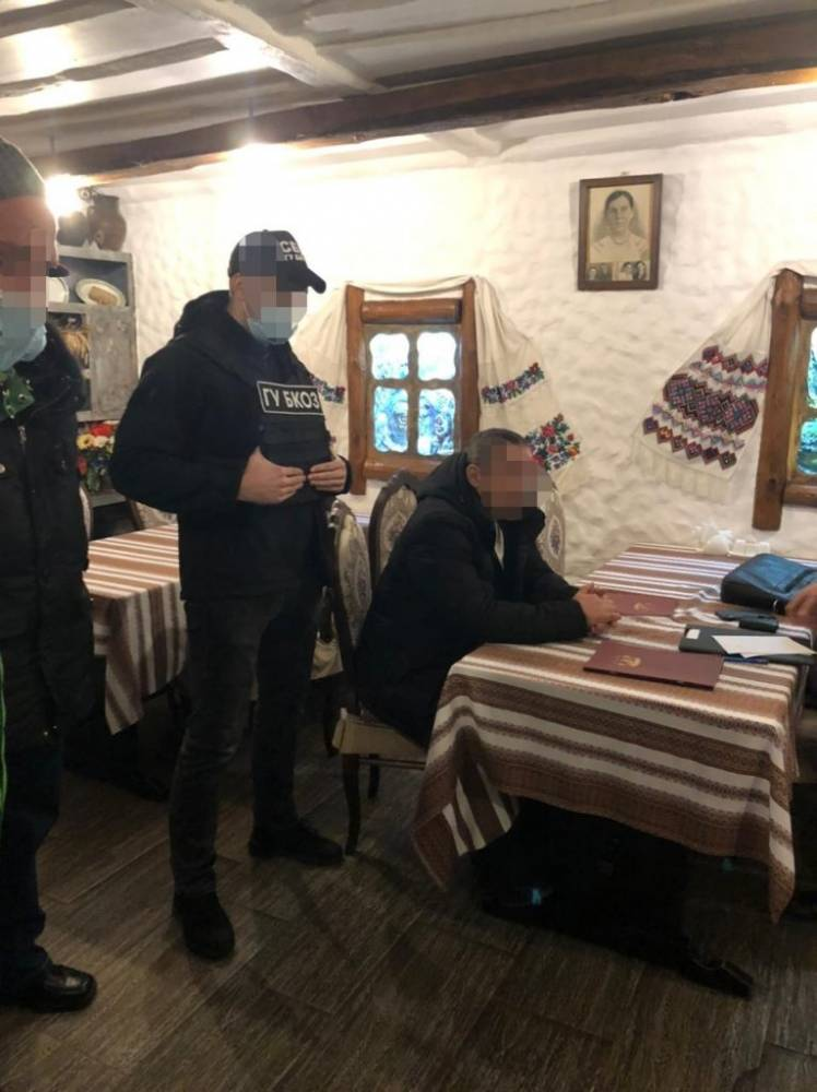 В Киеве чиновник уголовно-исполнительной службы предлагал взятку прокурору