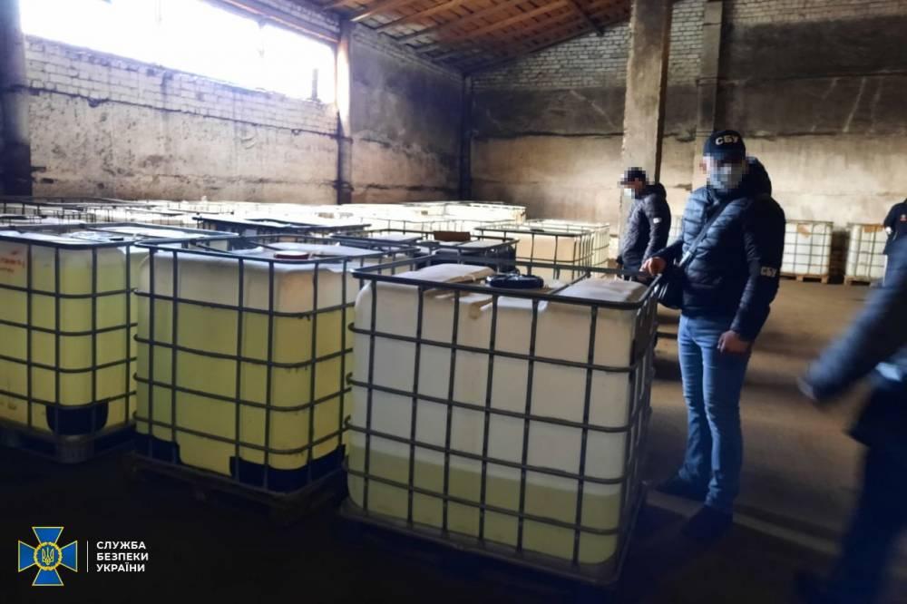 СБУ разоблачила подпольное производство спирта под видом антисептиков