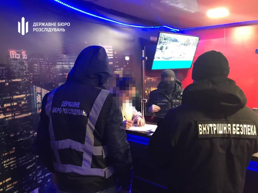 В Бердянске полицейские «крышевали» азартный бизнес