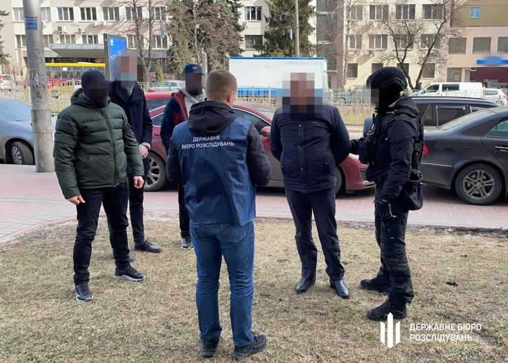 Инспектор налоговой службы Киевской области вымогал 400 тысяч гривен