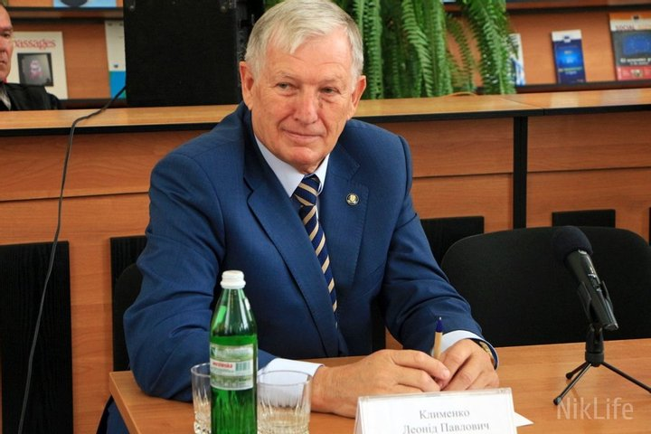 Ректор Черноморского национального университета незаконно трудоустроил родственников и начислял им премии
