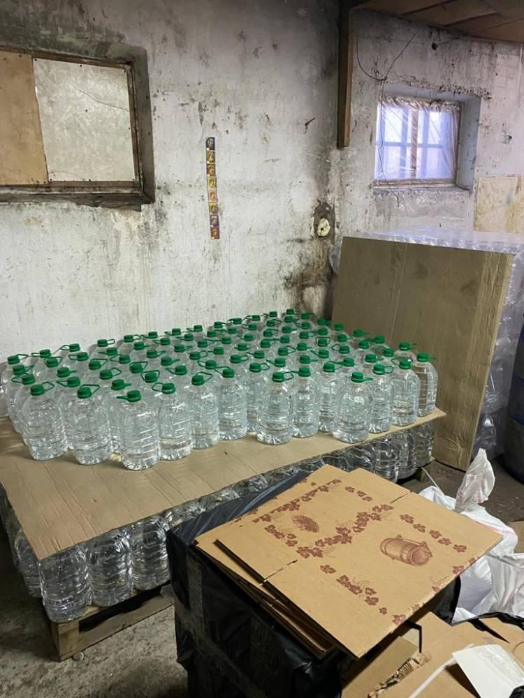 В Хмельницком закрыли подпольный цех по изготовлению алкоголя