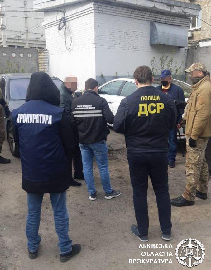 Топ-чиновника Киевской ОГА поймали на взятке в 10 тысяч долларов