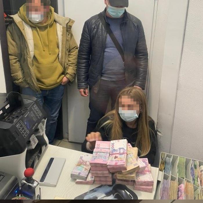 В Борисполе депутат вымогал у нотариуса 40 тысяч долларов