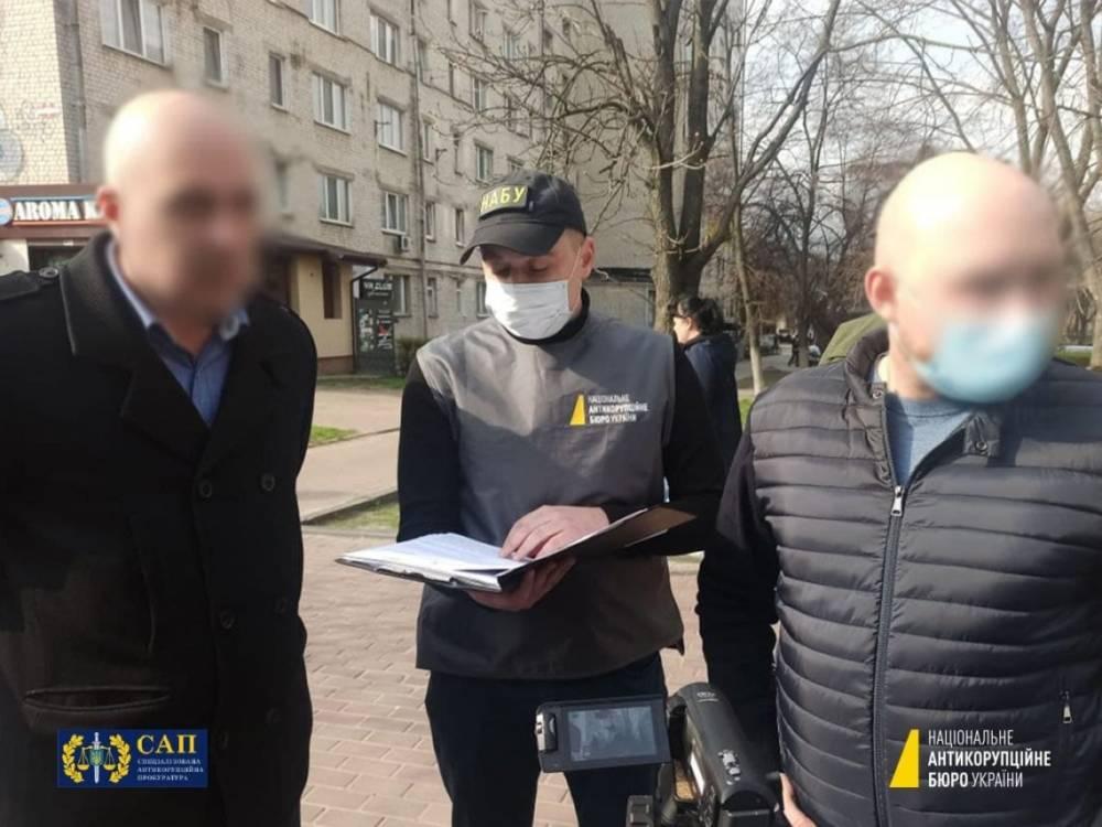 В Киеве на взятке в 1 млн гривен поймали бывшего топ-офицера Нацполиции