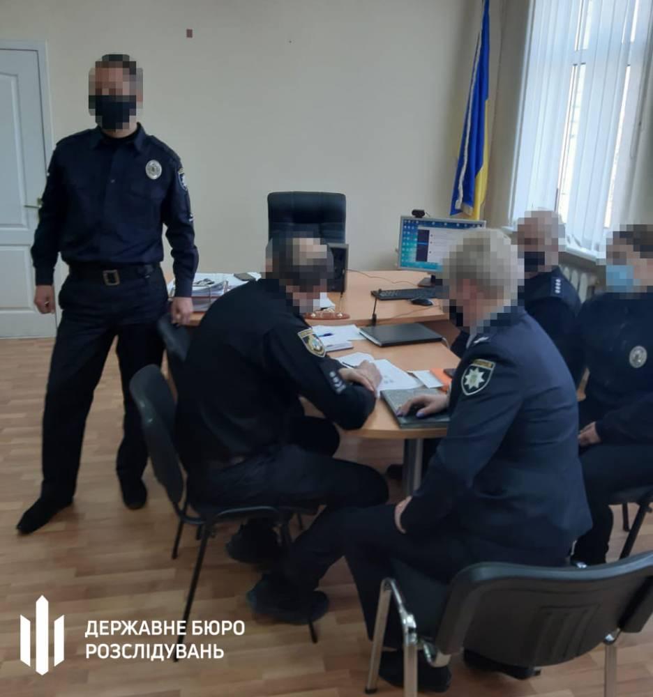 В Днепропетровской области за сбор взяток задержан офицер полиции