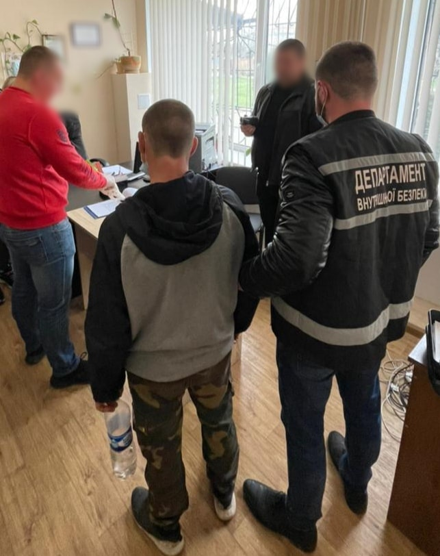 В Кропивницком полицейский отказался от взятки