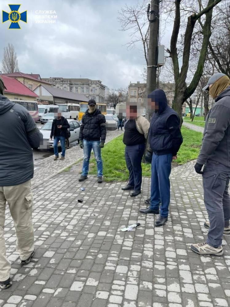 Одесские железнодорожники наживались на торговле билетами вне кассы