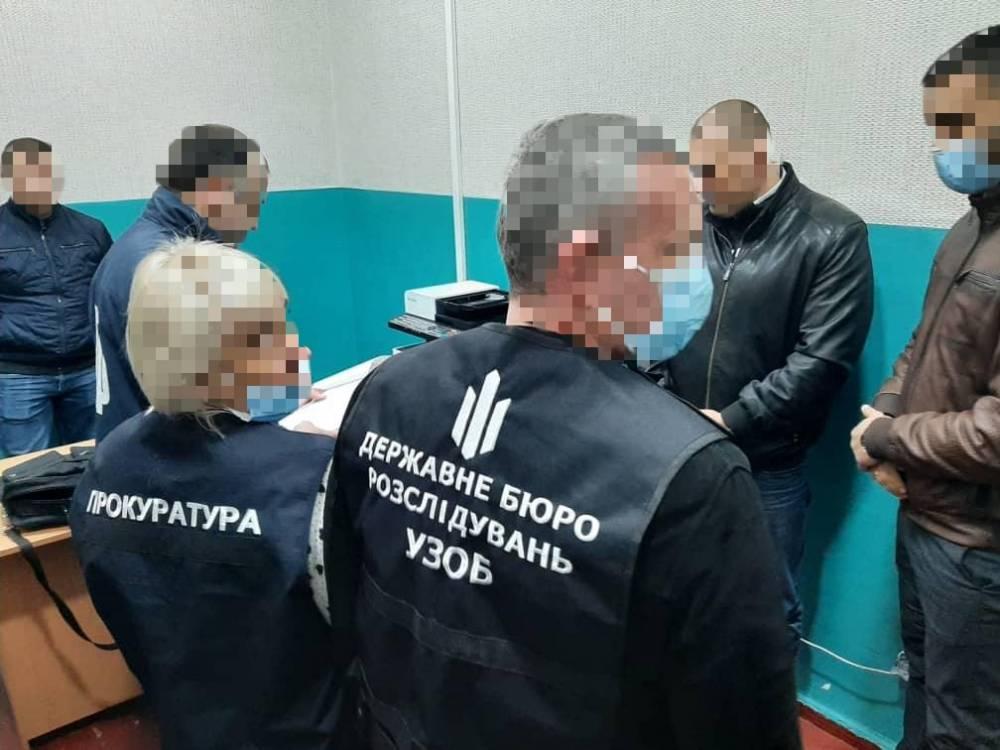 В Краматорске полицейский за взятку пытался закрыть дело о взятке