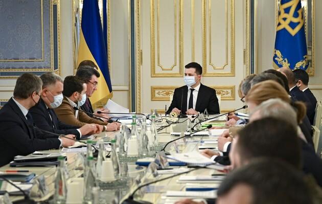 Троих украинских бизнесменов планируют лишить гражданства и выдворить из Украины