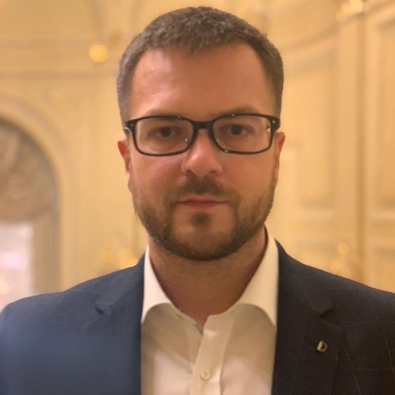 Член набсовета АМПУ заработал свыше 1,5 млн гривен