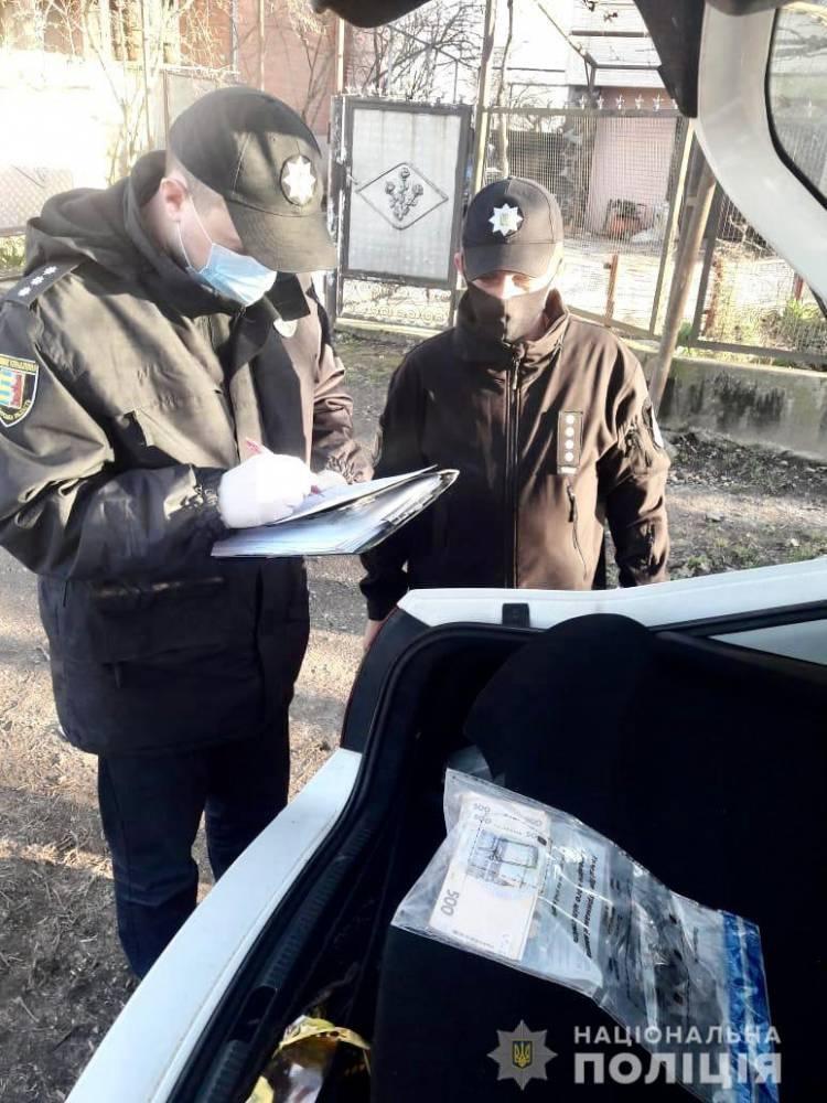 Пьяный закарпатец предложил патрульным 17 тысяч гривен взятки