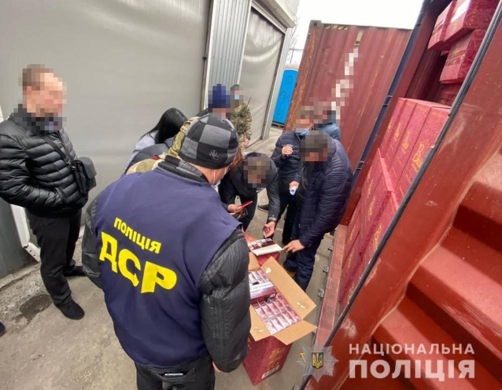 Контрабандные сигареты из Одесского порта по документам продавали через Duty Free
