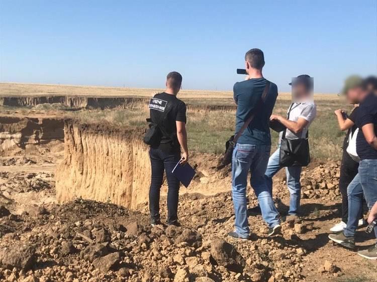 В Одесской области в карьере незаконно добывали песок