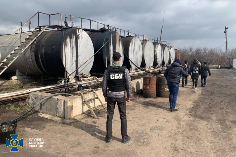 В Кировоградской области незаконно изготавливали бензин
