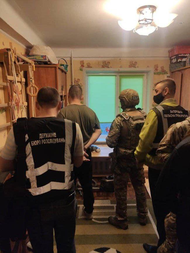 В Запорожье полицейский организовал наркопритон