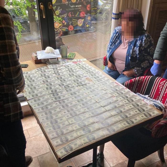 В Киеве аудитор запросил 10 тысяч долларов за свой отчет