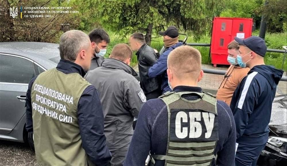 Пограничник попался на взятке за контрабанду из России
