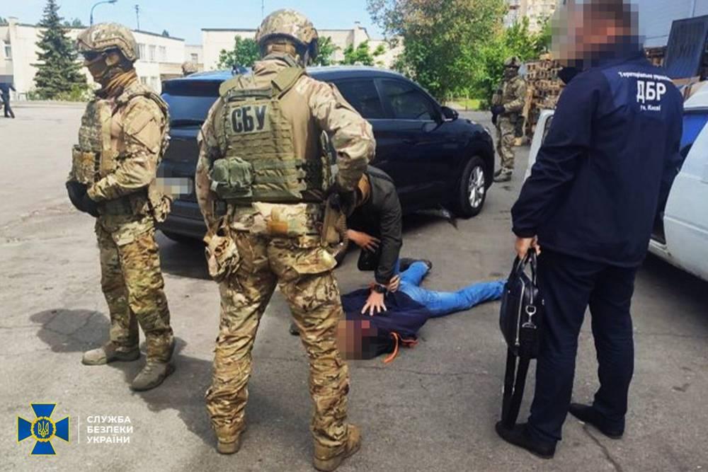 В Черкассах задержали нацгвардейца, торговавшего оружием