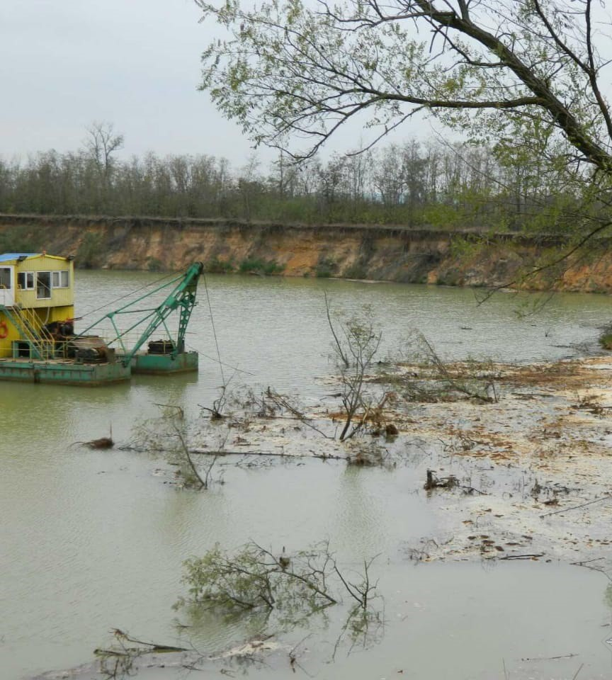 В Николаевской области бизнесмен незаконно добывал песок