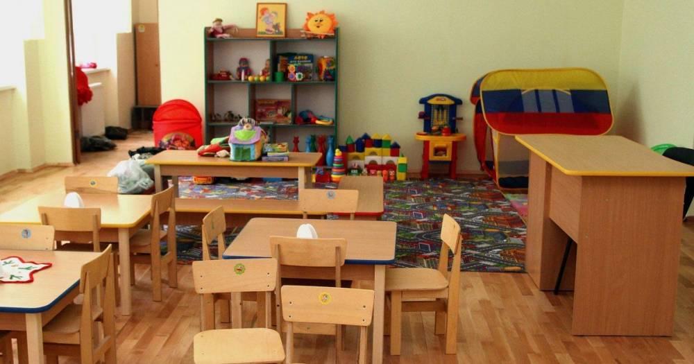 В Запорожье из-за халатности воспитателя из окна выпал ребенок
